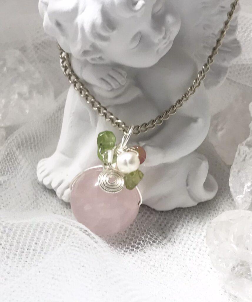宝石アクセサリー